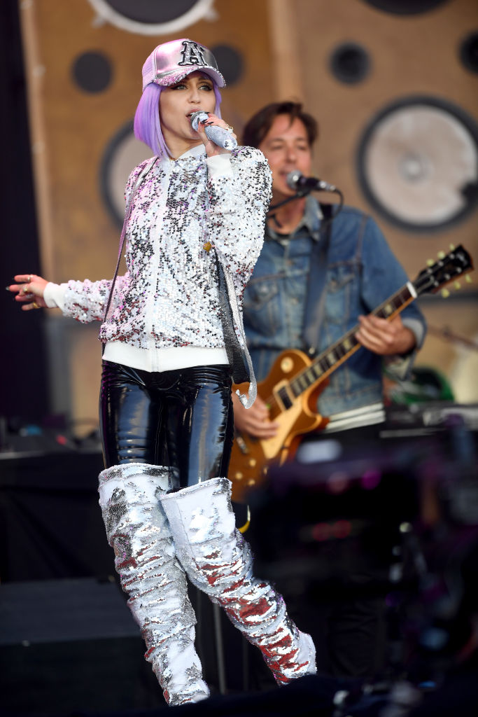 Miley Cyrus performs as 'Black Mirror' character Ashley O