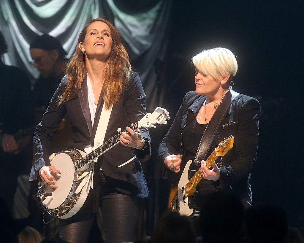 Dixie Chicks Emily Robinson and Natalie Maines