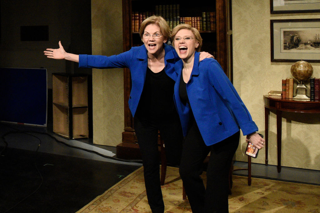 "Senator Elizabeth Warren as herself and Kate McKinnon as senator Elizabeth Warren during the ""Ingraham Angle Coronoavirus Cold Open"""