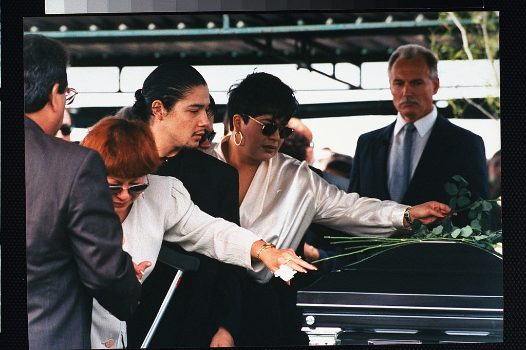 The family of Selena Quintanilla at her burial