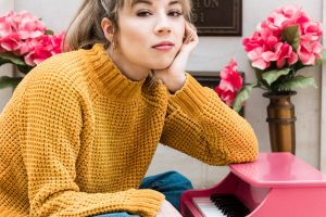 How 'iCarly' Star Jennette McCurdy Found Humor Even in the Darkest of Times