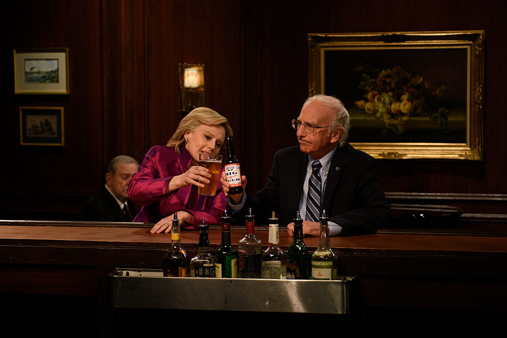 """Kate McKinnon as Hillary Clinton and Larry David as Bernie Sanders during the """"Hillary and Bernie Cold Open"""" sketch"""