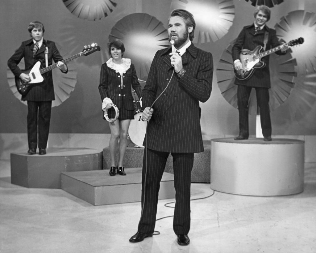 Kenny Rogers and The First Edition in 1970 | Michael Ochs Archives/Getty Images