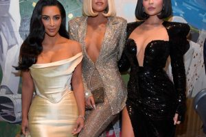 Kim Kardashian Fans Are Stumped by Her Latest Instagram Pic; 'I Do Not Know Which Sister That Is'