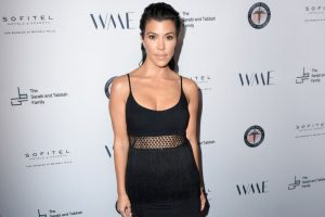 Kardashian Fans Are Upset That Kourtney Looked Too Much Like Kim in a Recent Photo