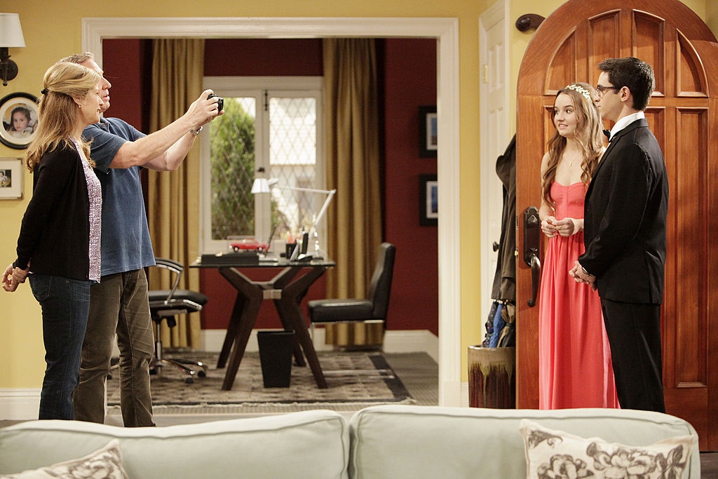 Tim Allen as Mike Baxter, Nancy Travis as Vanessa Baxter and Kaitlyn Devers as Eve Baxter