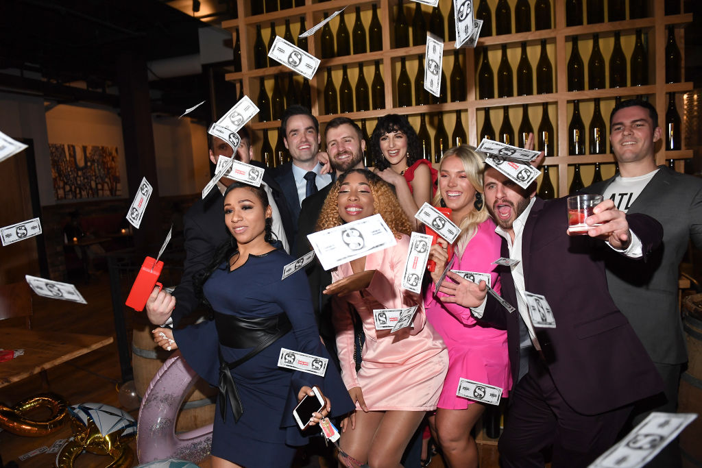 Love is Blind contestants toss fake money