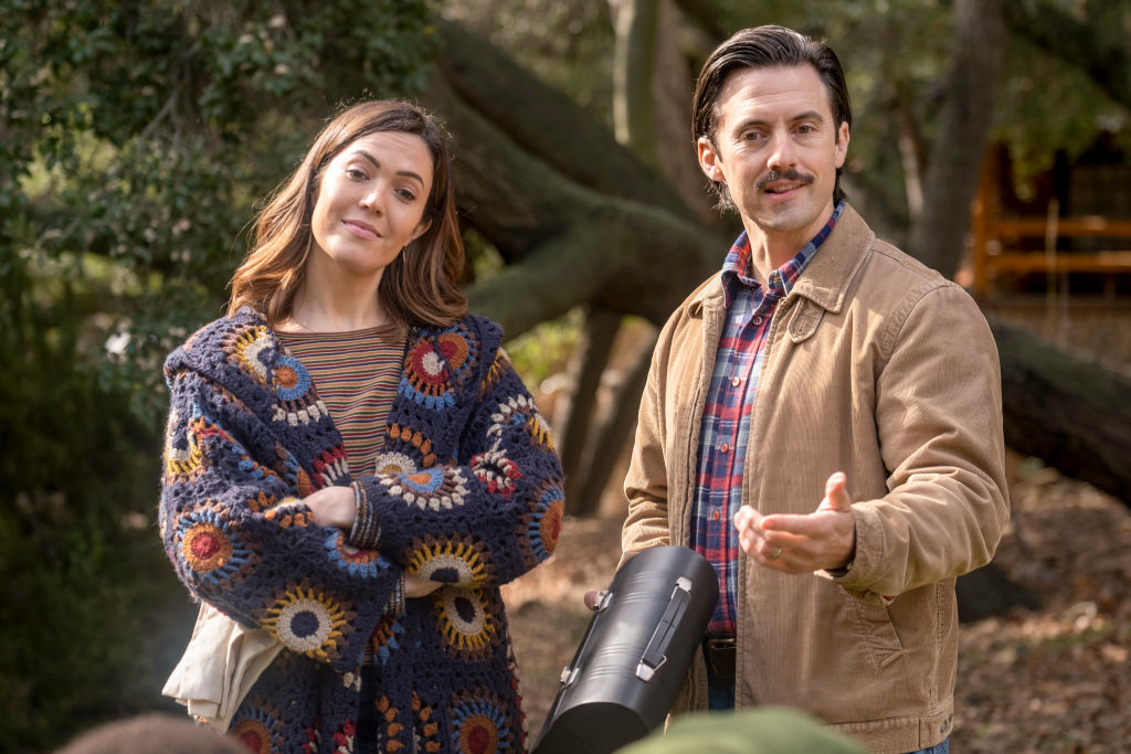 Mandy Moore as Rebecca and Milo Ventimiglia as Jack in This Is Us - Season 4