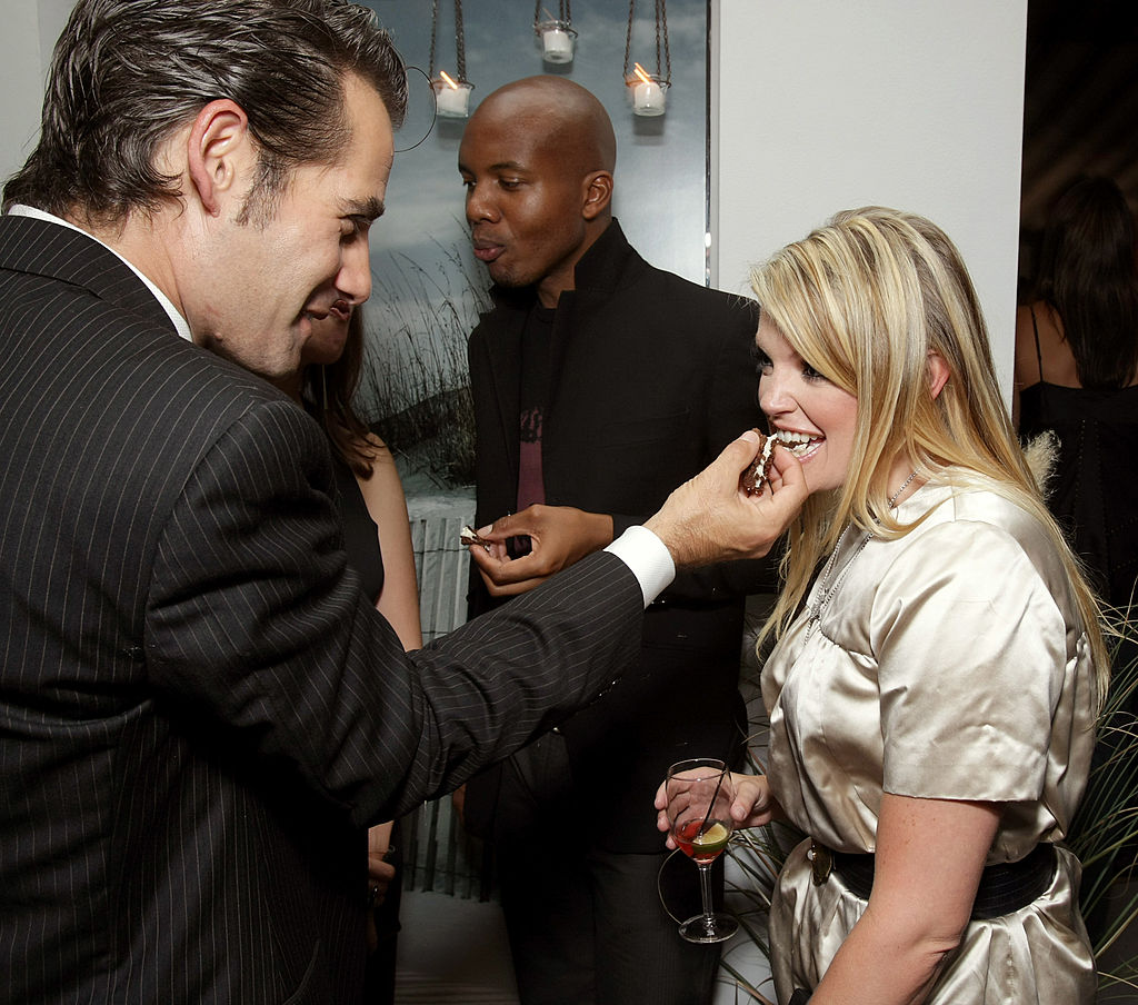 Adrian Pasdar and singer/wife Natalie Maines attend the 'Heroes' 2007 Pre-Emmy Party