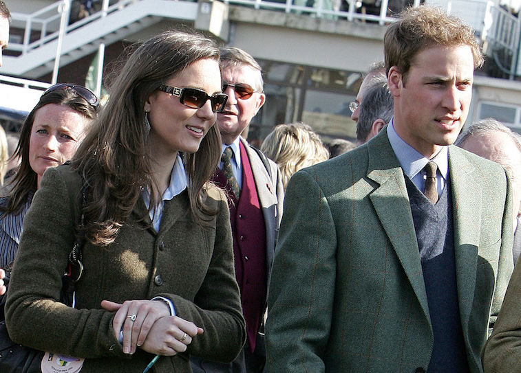 Princess Charlotte and Princes George and Louis clap for medical professionals