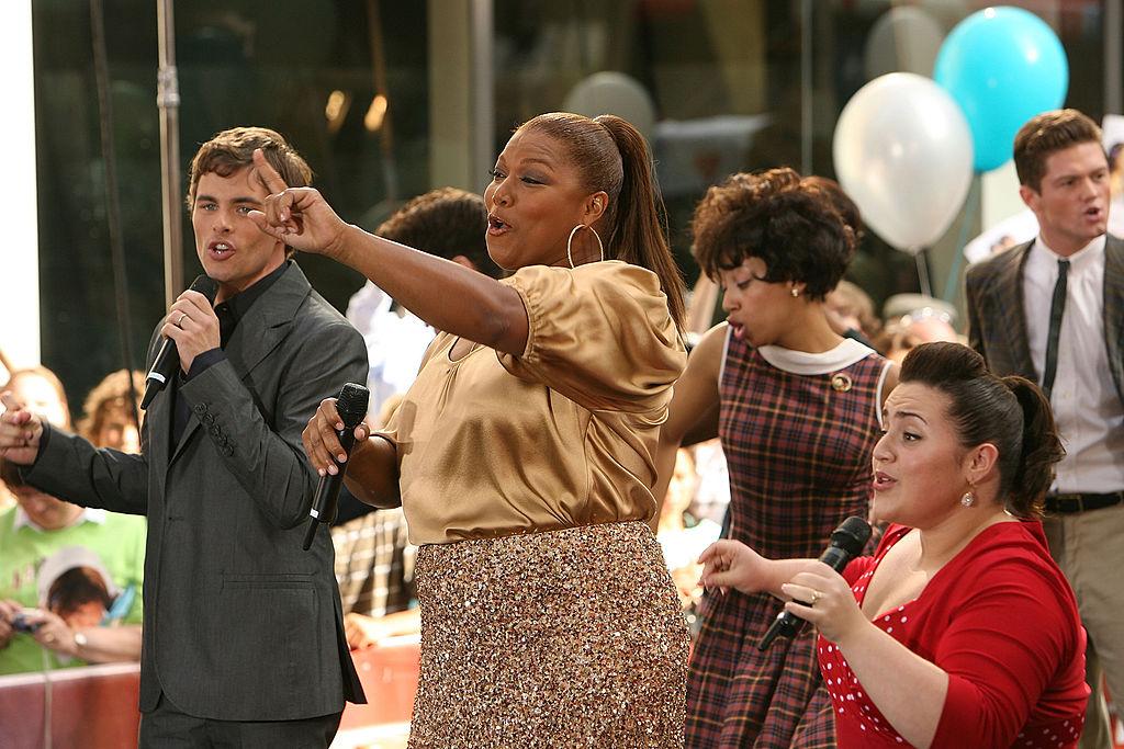 "Zac Efron, Nikki Blonsky, Queen Latifah and the cast of ""Hairspray"""