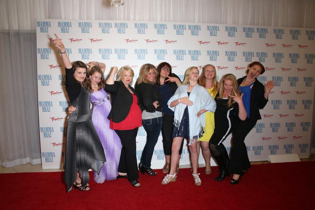 Robyn, Aurora, Janelle, Meri, Mariah, Gwendlyn, Aspyn, Christine, and Mykelti Brown