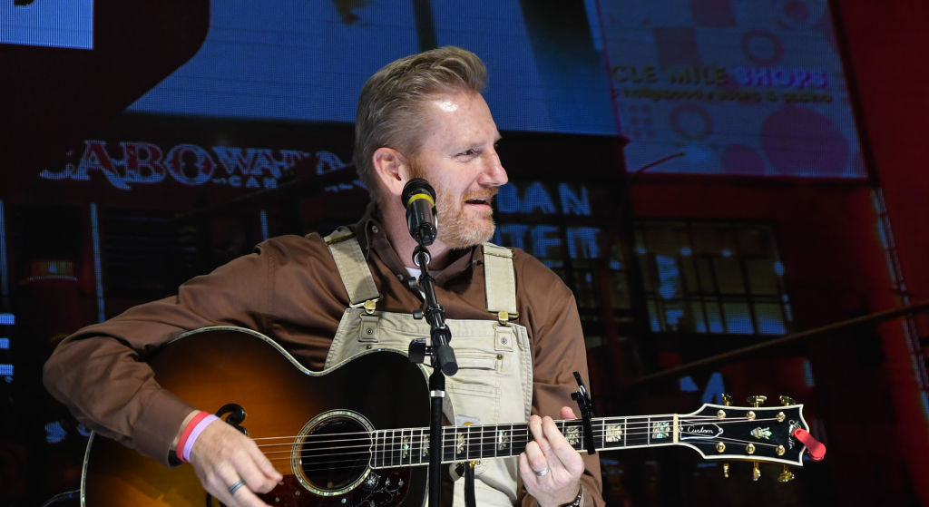 "Rory Feek performs during the ""Outside the Barrel"""