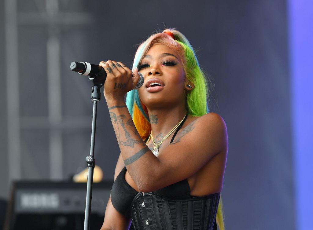 Summer Walker at a concert in September 2019
