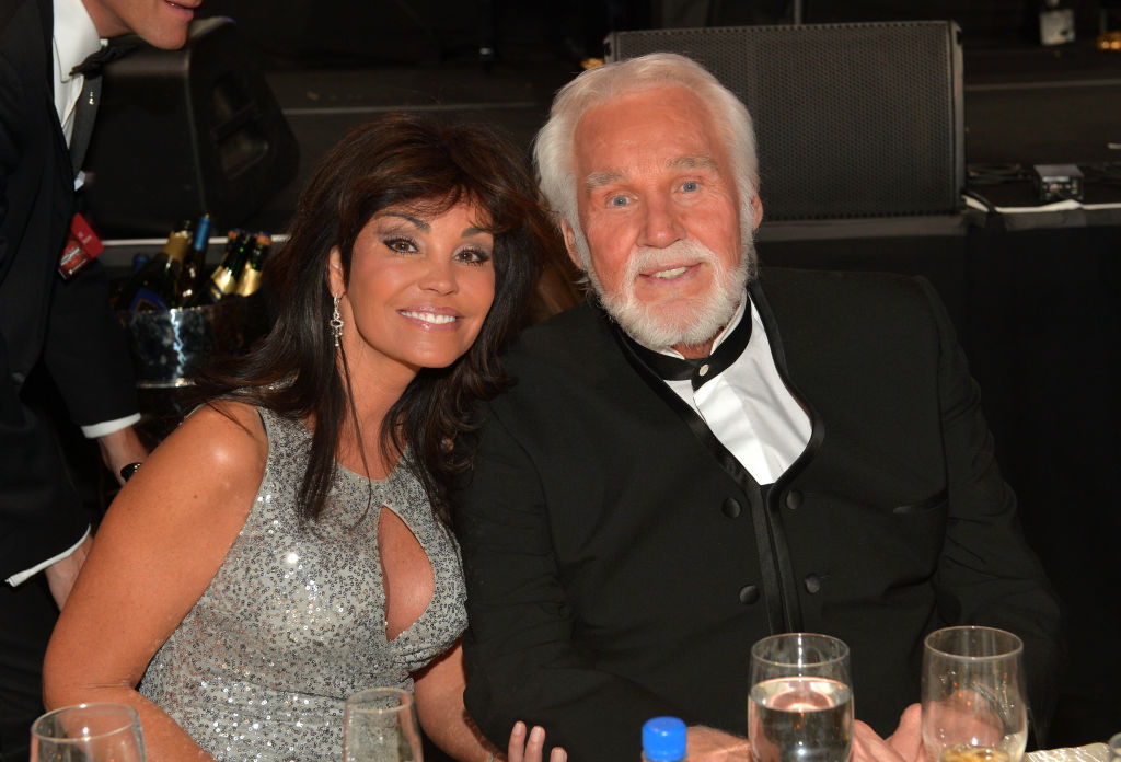 Wanda Miller and Kenny Rogers in 2014 | Charley Gallay/Getty Images for Celebrity Fight Night