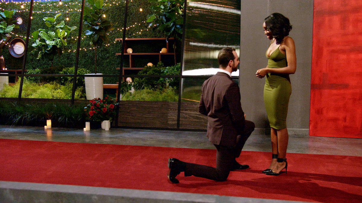 Cameron proposes to Lauren on one knee after meeting her for the first time on 'Love Is Blind.'