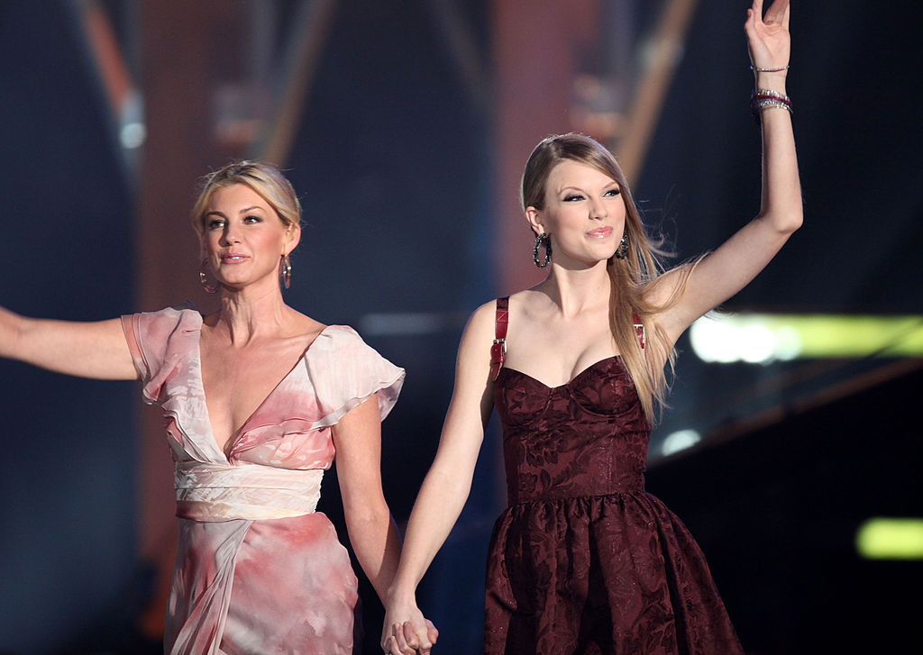 Faith Hill and Taylor Swift onstage at the 2010 CMT Music Awards