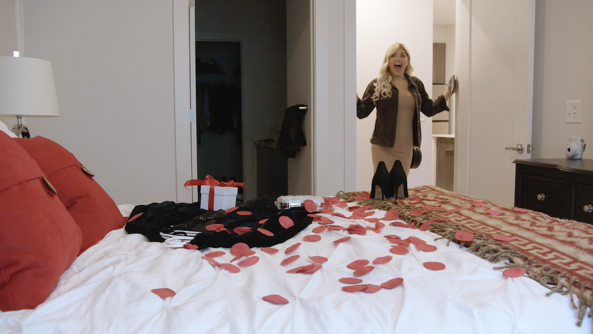 Damian laid out rose petals and a gift for a special date with Giannina while they were dating.