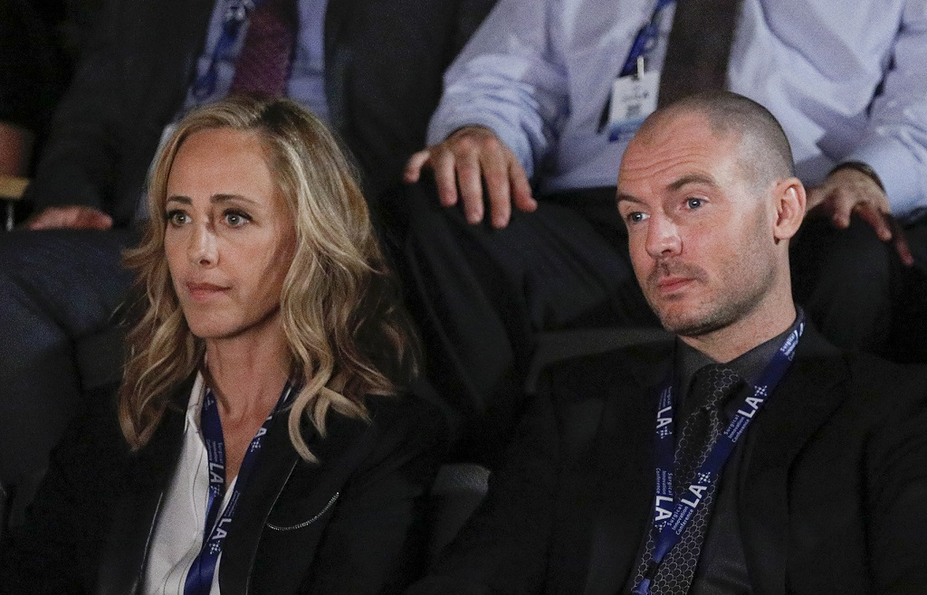 Kim Raver and Richard Flood in 'Grey's Anatomy'