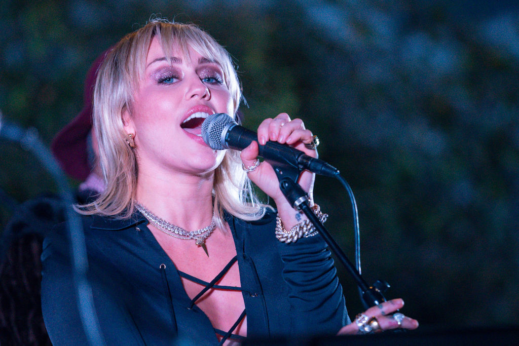 Miley Cyrus performs at the Sunset Marquis on February 08, 2020 in West Hollywood, California.