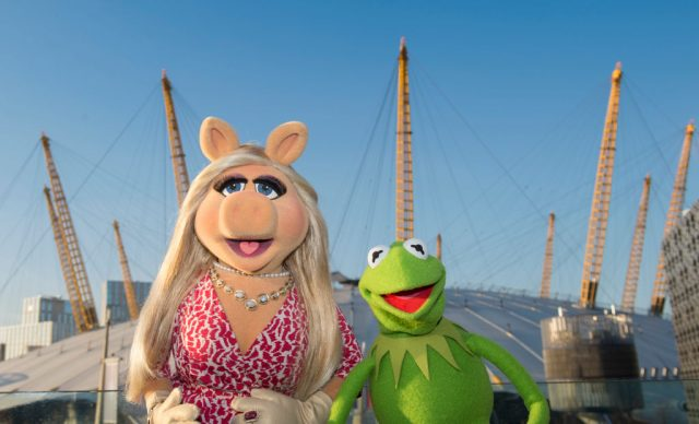 Miss Piggy and Kermit the Frog at The o2