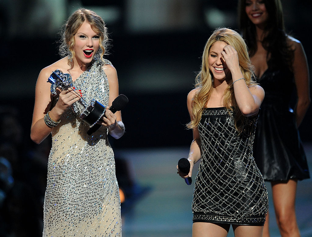 Taylor Swift is awarded Female Video of the Year by Shakira at the 2009 MTV Video Music Awards