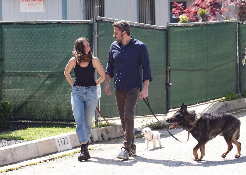 Ana de Armas and Ben Affleck