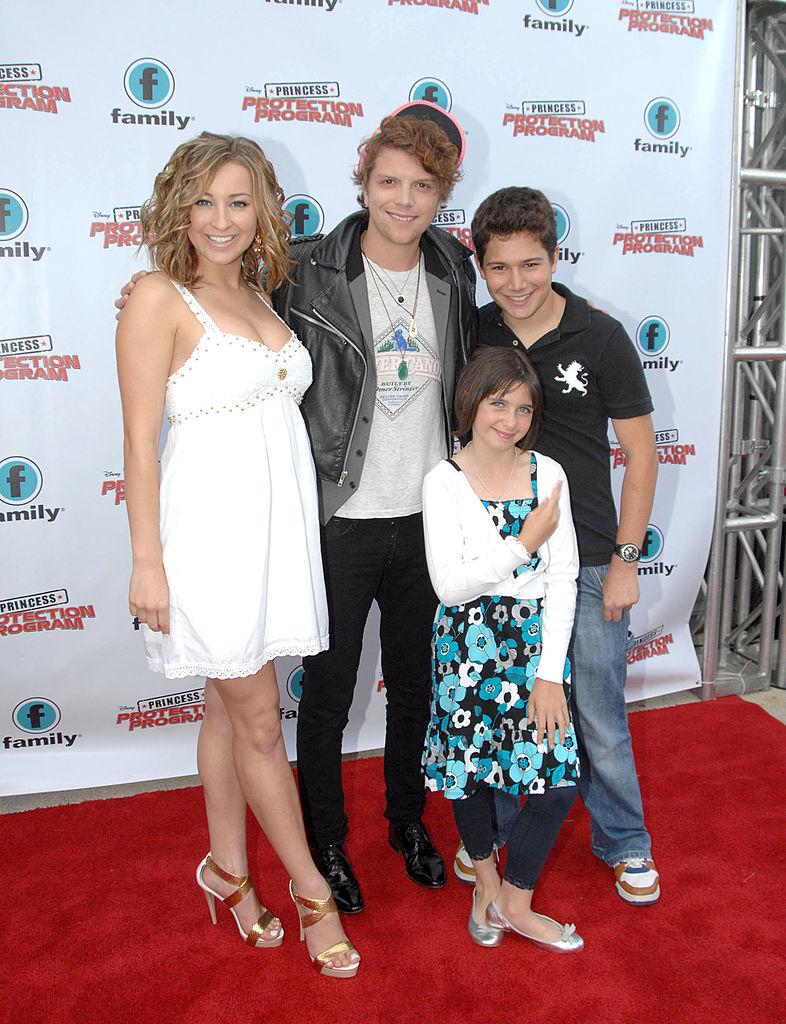 'Life With Derek' actors Ashley Leggat, Michael Seater, Ariel Waller and Daniel Madger in 2009