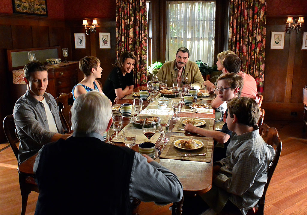 Blue Bloods Cast at the dinner table; Tom Selleck, Donnie Wahlberg, Bridget Moynahan, Will Estes, Len Cariou, Amy Carlson, Sami Gayle, Tony Terraciano, and Andrew Terraciano