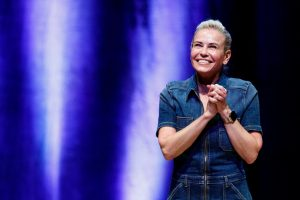 Chelsea Handler Shows off Some Skin While Promoting Reading and It's Hilarious