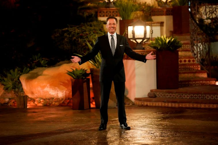 Chris Harrison welcomes the contestants