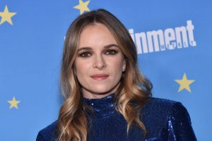 'The Flash': Danielle Panabaker Charms Famous Friends With Well-Baked Instagram Snaps