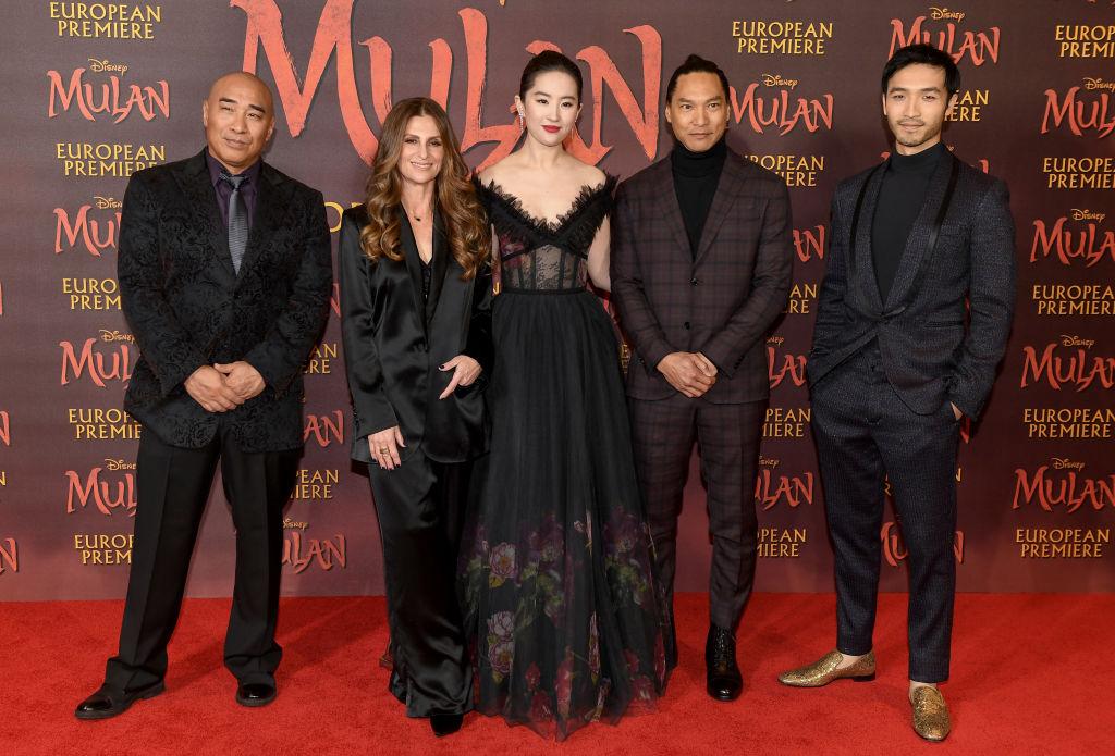 Ron Yuan, Niki Caro, Yifei Liu, Jason Scott Lee, and Yoson An of Disney's 'MULAN'