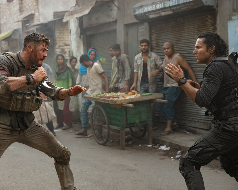 Extraciton: Chris Hemsworth and Randeep Hooda