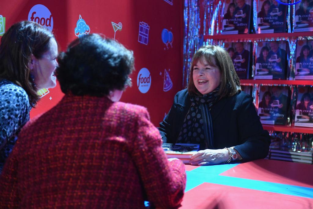 'Barefoot Contessa' Ina Garten signing cookbooks