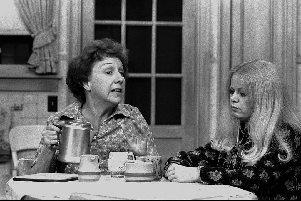 Jean Stapleton and Sally Struthers in a scene from 'All in the Family'
