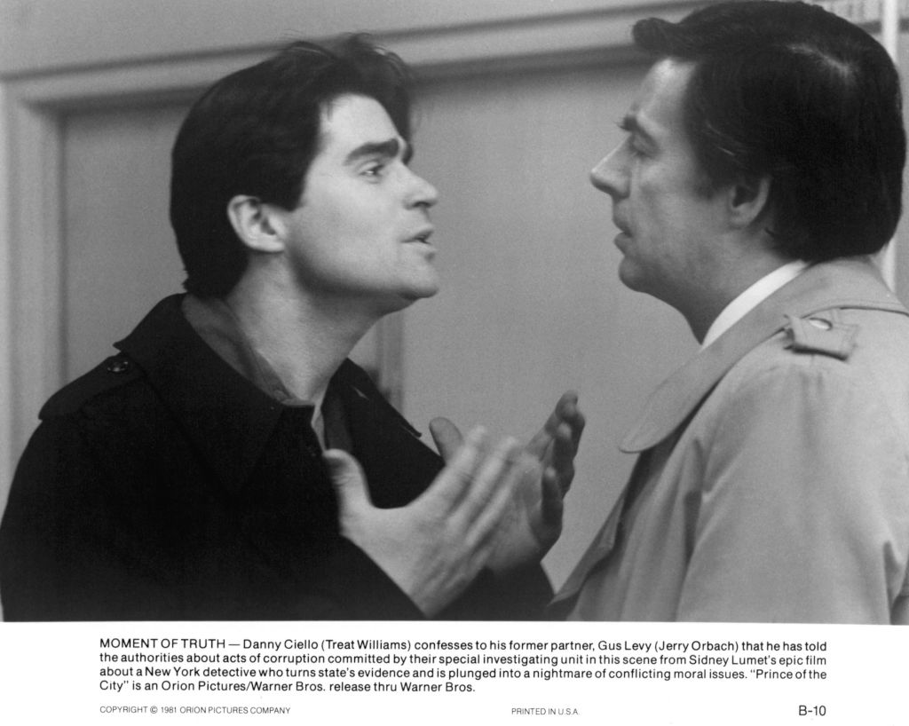 Jerry Orbach in a scene with actor Treat Williams from 'Prince of the City', 1981