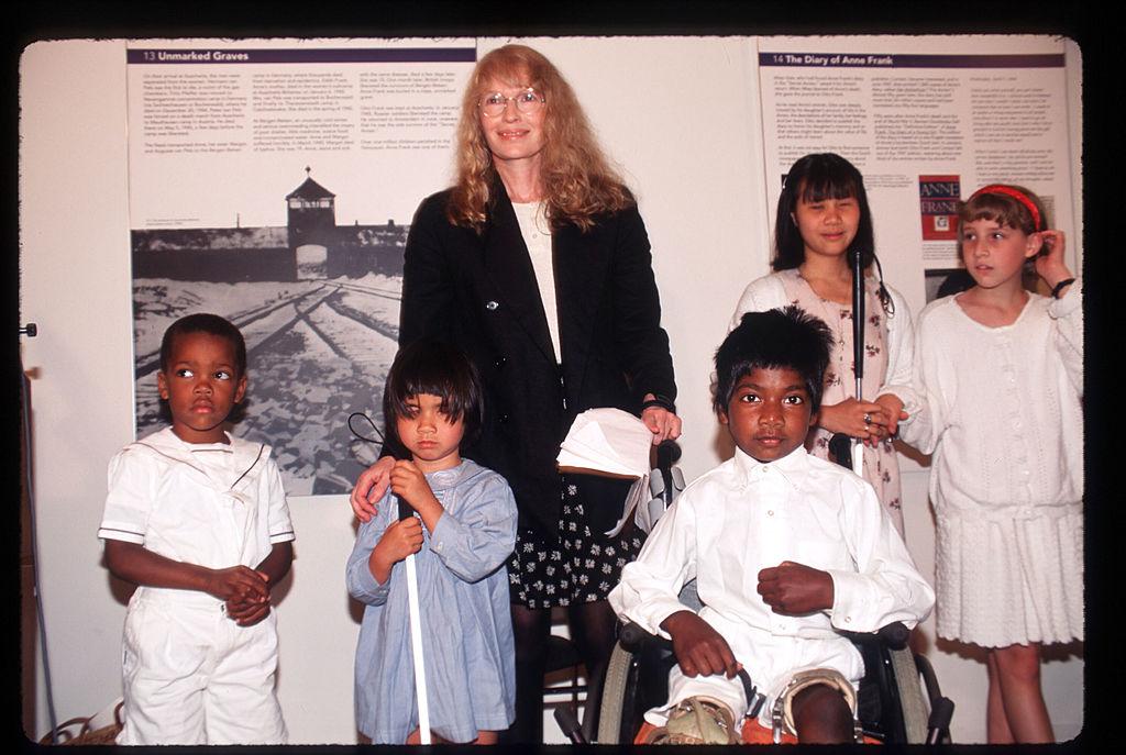 Mia Farrow and her children, 1996