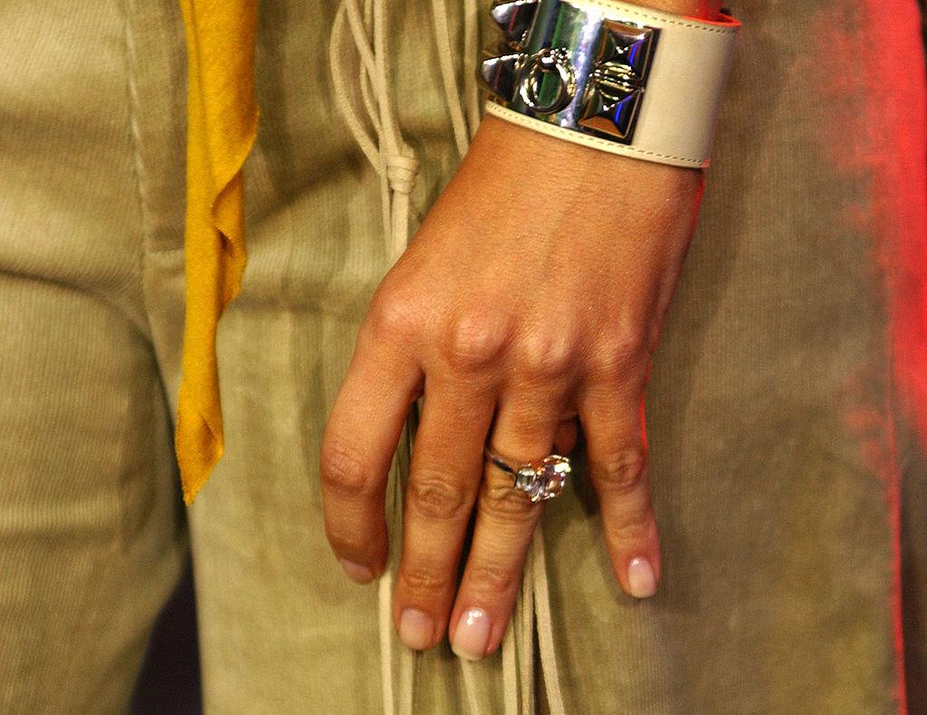 Jennifer Lopez' ring from Ben Affleck