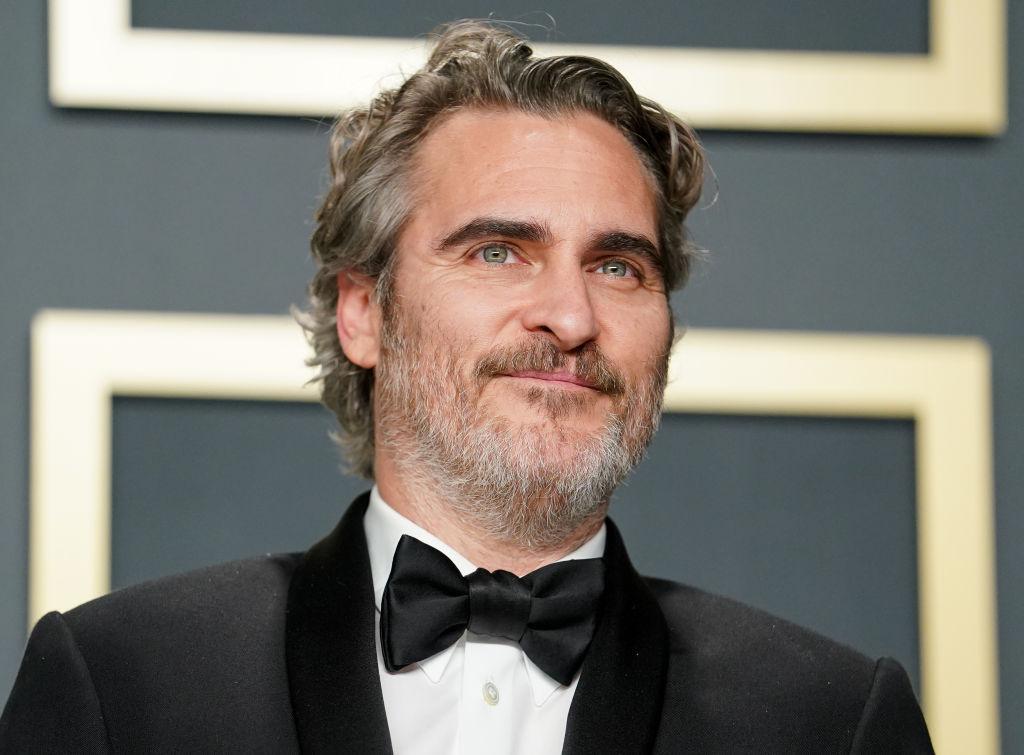 "Joaquin Phoenix, winner of the Actor in a Leading Role award for ""Joker"""