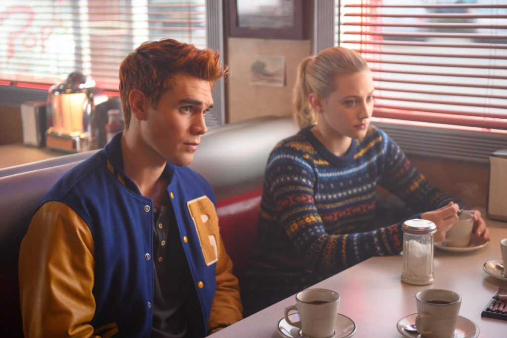 KJ Apa and Lili Reinhart in Riverdale