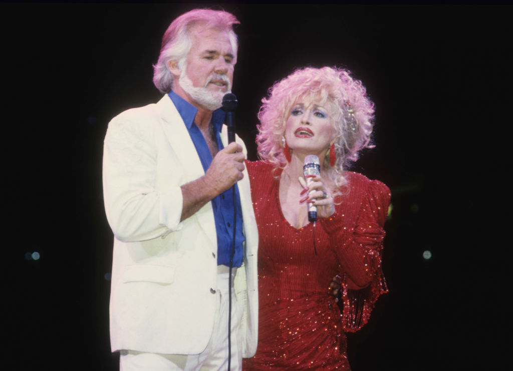 Kenny Rogers and Dolly Parton | Jim Steinfeldt/Michael Ochs Archives/Getty Images