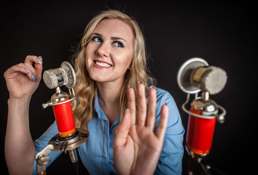 Maria, a popular YouTube ASMrtist