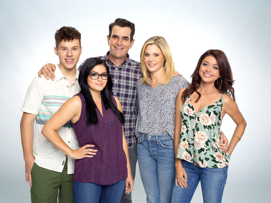 Modern Family fans react to the one-hour emotional series finale!