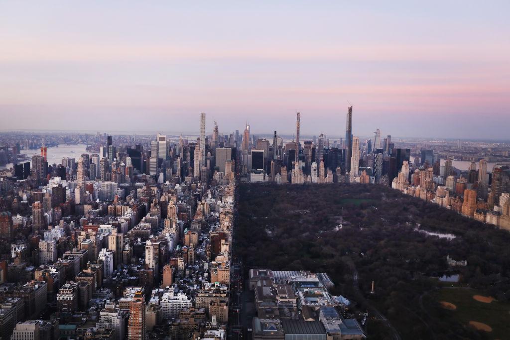 Dawn breaks over Manhattan