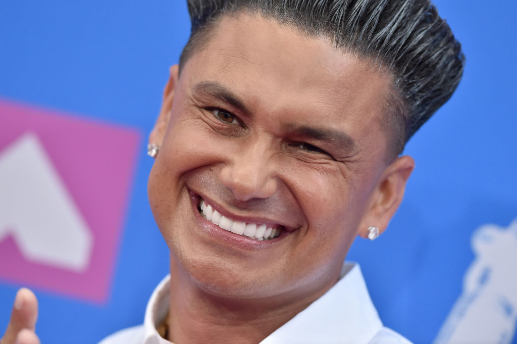 DJ Pauly D on the red carpet at an award show in August 2018