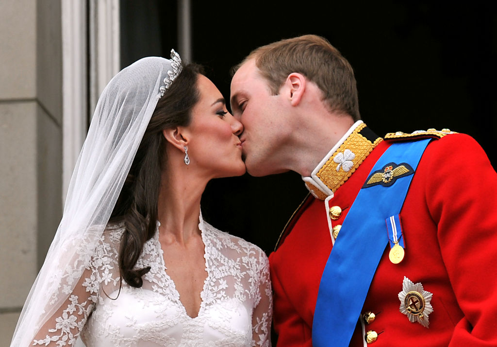 Prince William and Kate Middleton balcony kiss