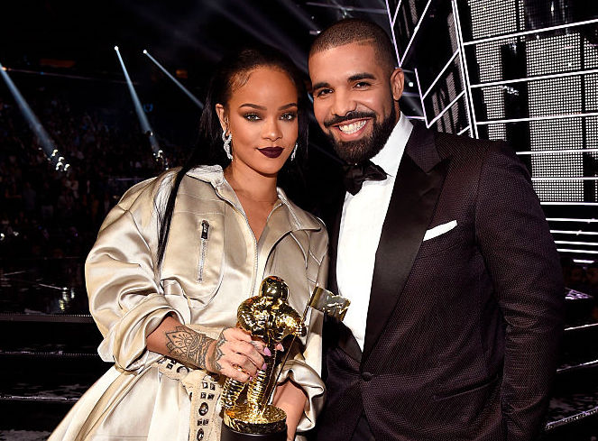 Rihanna and Drake at an award show in August 2016