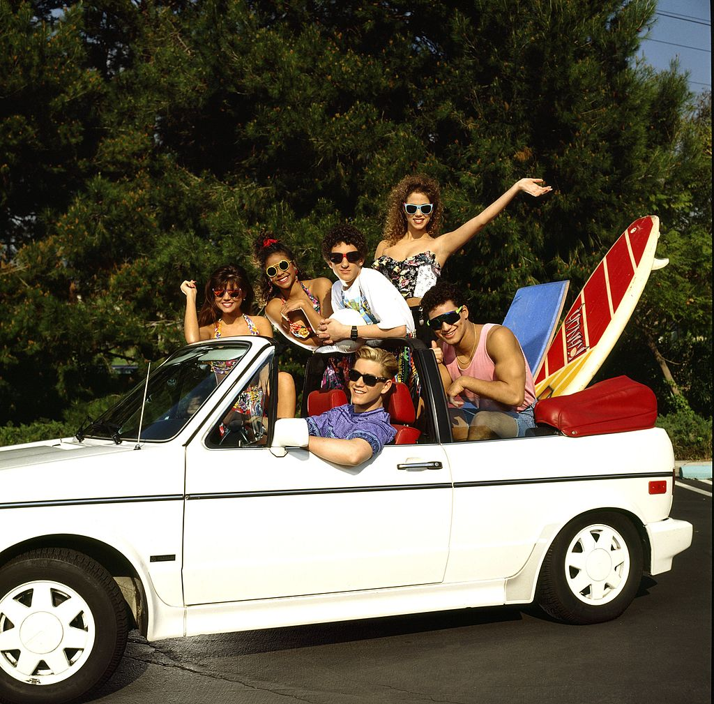 The original Saved by the Bell cast in a convertible