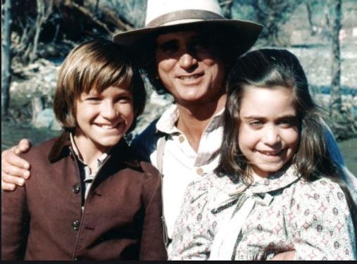 Jason Bateman, Michael Landon, and Melissa Francis on the set of 'Little House on the Prairie'